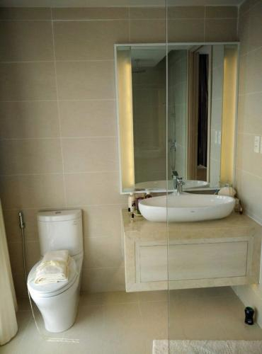 Nha-trang-Gold-coast-bathroom