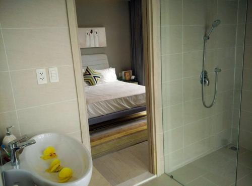 Nha-trang-Gold-coast-bathroom2