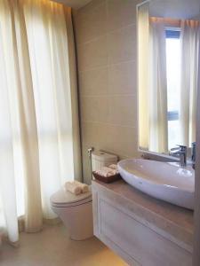 Nha-trang-centre-master-room-bathroom