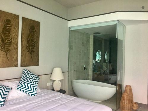 Panorama-showroom11