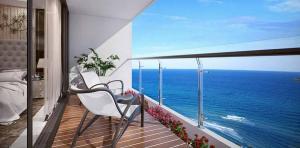 Tropicana- balcony